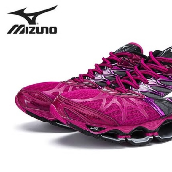 finest selection 0b3f2 b4c9d Mizuno Womens Running Shoes - Wave Prophecy 7. M 5c4566b1035cf175ee5a1175